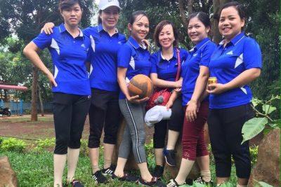 Gv trường THCS Cao Bá Quát tham gia hội thao bóng chuyền chào mừng ngày 20/10/2018 do xã tổ chức