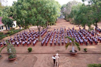 Sáng ngày 19/3/2018. Đội cảnh sát giao thông huyện Cư M'gar tổ chức tuyên truyền Luật giao thông đường bộ trong học đường tại Trường THCS Cao Bá Quát xã Cư M'gar.